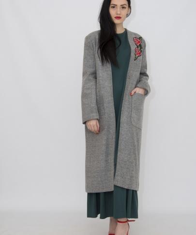 Пальто с нашивкой