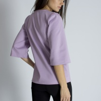 Блуза с декоративной застежкой
